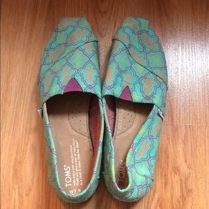Colorfully Patterned Toms Never Worn